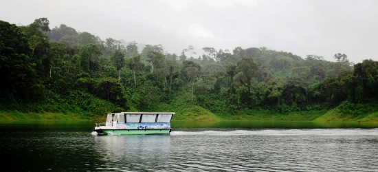 transfer-from-arenal-to-monteverde-across-the-arenal-lake