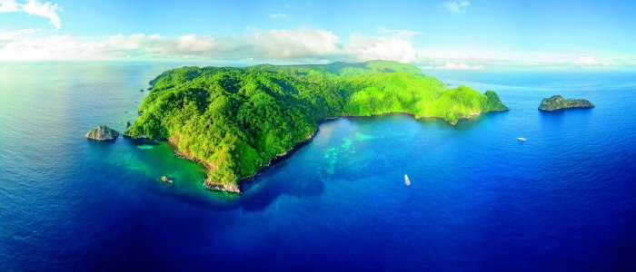 travel to costa rica and visit cocos island