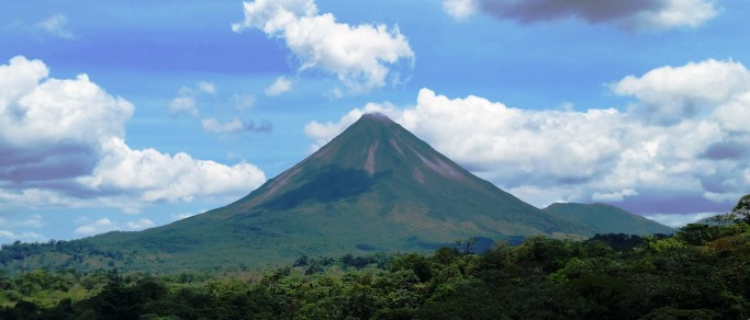 arenal volcano and hot springs tour