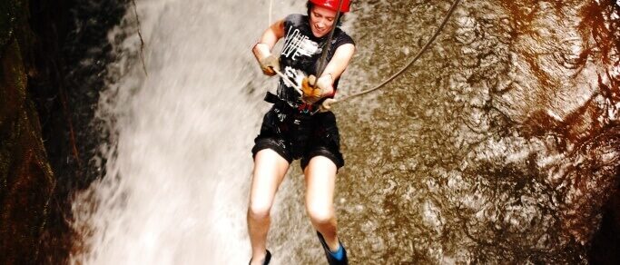 costa rica waterfall rappelling trip