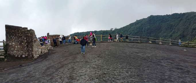 irazu volcano day tour from san jose