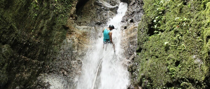 la fortuna waterfall rappelling tour
