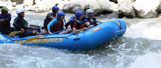 rafting tour at pacuare river