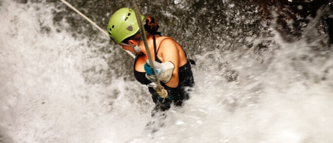 waterfall rappelling tour in arenal