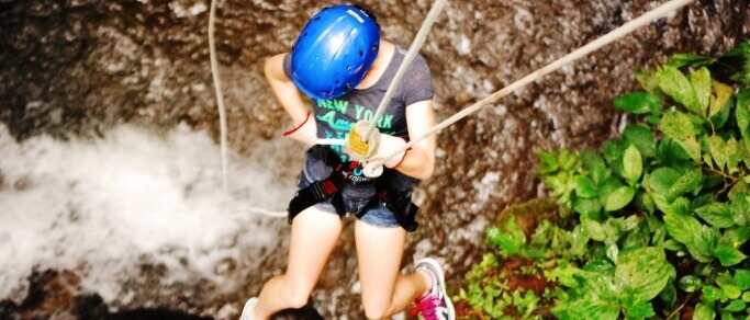 waterfall rappelling tour near arenal volcano
