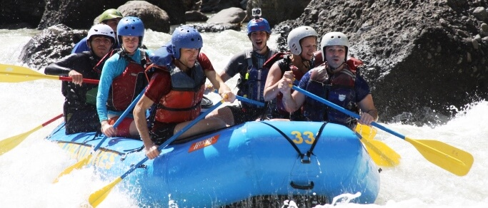 white water rafting tour in costa rica