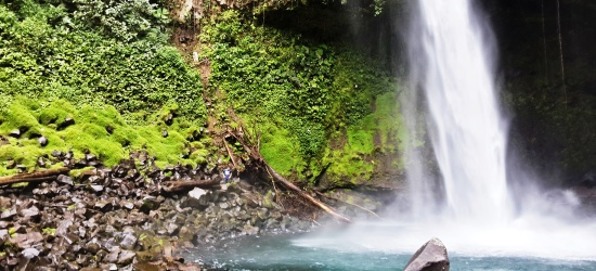 la fortuna waterfall tour in arenal volcano area