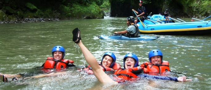 fun rafting trip in costa rica