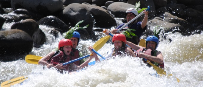 rafting adventure in arenal