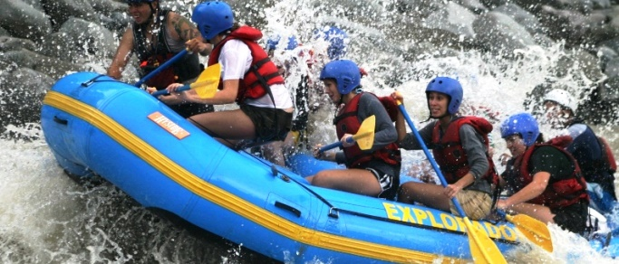 rafting at pacuare river