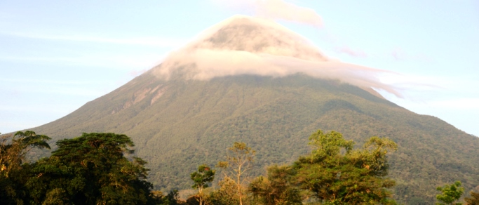the arenal volcano costa rica